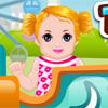Bébé dans le parc à thème jeu